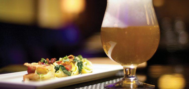 Festival de cerveja e gastronomia anima o balneário de Iriri, em Anchieta