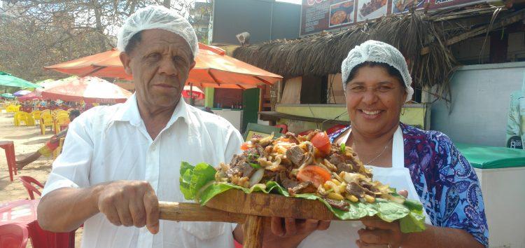 Tempero caseiro de Carne de Sol faz sucesso na Praia de Peracanga