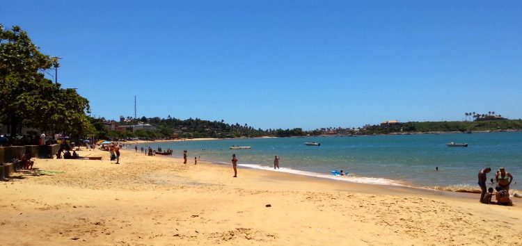 Governador do ES em exercício, César Colnago, visita Praia de Meaípe