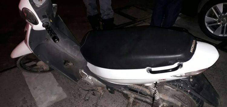 Apreensão de réplica de arma e moto sem placa na noite de ontem (04) em Guarapari