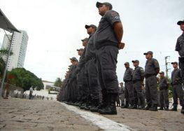 Aumento do efetivo policial no comércio de Guarapari e em outras cidades do Estado durante a Operação Natal