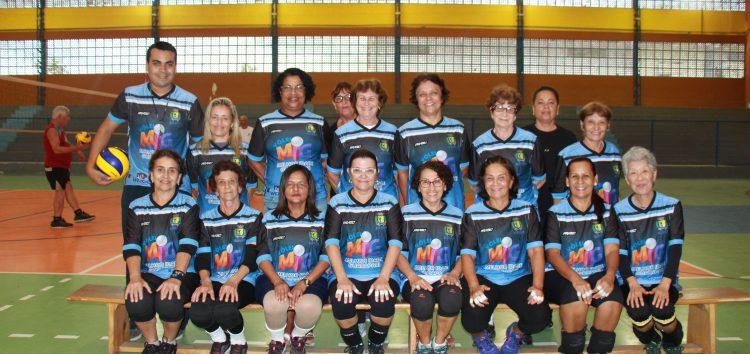 Projeto Vôlei para a Melhor Idade atrai cada vez mais adeptos ao esporte em Guarapari