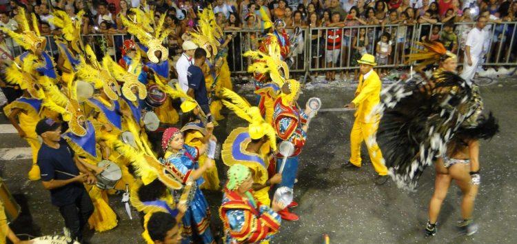 Prefeitura sanciona lei de repasse para escolas de samba em Guarapari