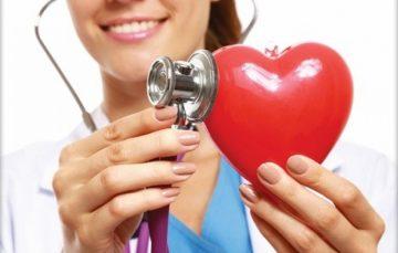 Manchas, dormência nos pés e mãos e até mau hálito podem indicar colesterol alto