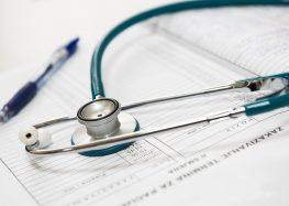 Vila Velha abre processo seletivo para médicos com salários que podem chegar a R$ 8 mil