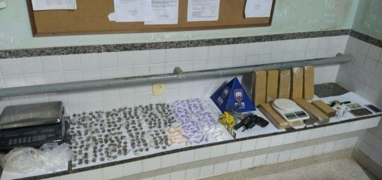 PM apreende grande quantidade de drogas em Guarapari