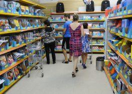 Volta às aulas: consumidores de Guarapari devem ficar atentos à variação de preços