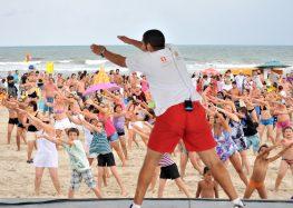 Anchieta promove Zumba e esportes durante o verão