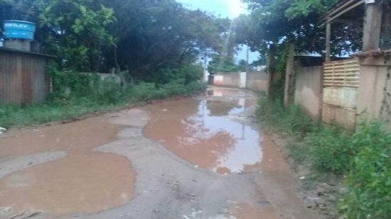 7ea49d50acae3 Buracos e problemas tomam conta da ES-481 no bairro Lameirão ...