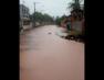 Chuva alaga ruas do Una
