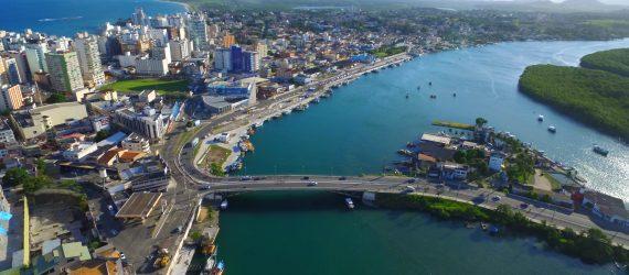 Governo do Estado promete finalizar parte da nova orla do canal de Guarapari em abril
