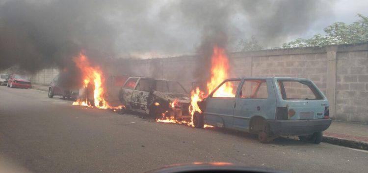 """""""Veículos são usados por usuários de drogas e moradores de rua"""", disse sargento do Corpo de Bombeiros"""