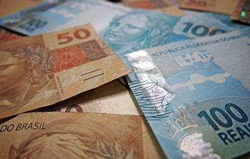 Poupadores receberão perdas de planos econômicos