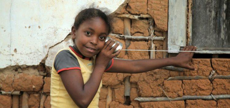 Projeto itinerante de cinema em Anchieta chega a Ubu
