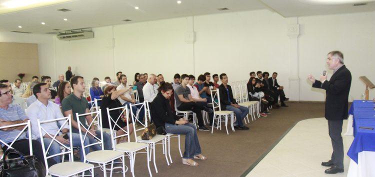 Pré-candidato à presidência, Flávio Rocha participa de evento em Guarapari