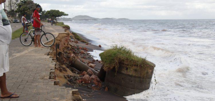 Erosão na Praia do Riacho: Atração (nada) turística