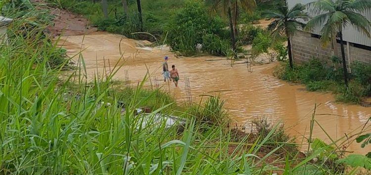 Comunidades de Anchieta sofrem com os prejuízos causados pela chuva