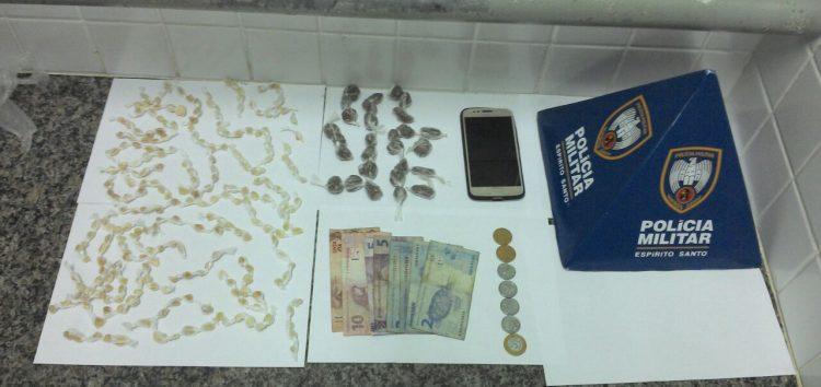 Polícia apreende 252 pedras de crack e 21 buchas de maconha com adolescentes em Guarapari