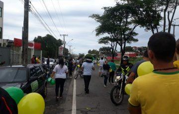 """População se manifesta em apoio a """"Greve"""" dos caminhoneiros em Guarapari"""
