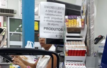 Paralisação dos caminhoneiros pode afetar o abastecimento nos supermercados de Guarapari