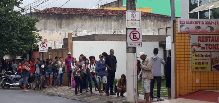 Eleitor de Guarapari enfrenta fila no último dia para regularizar o título
