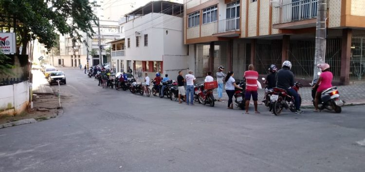 Combustível chega a Guarapari após operação militar