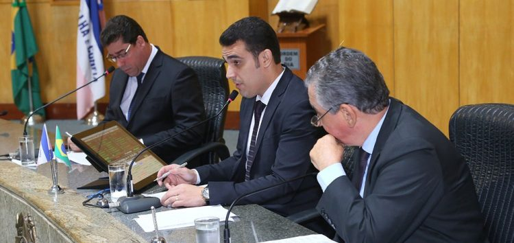 Salários do Governador, vice e secretários do Espírito Santo vão aumentar em 13% após derrubada de veto