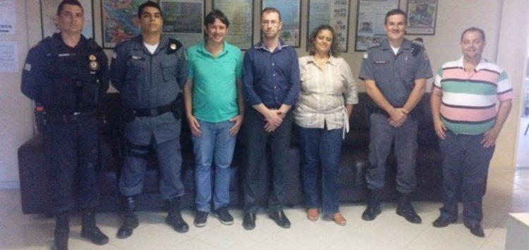 """Agricultores recebem apoio da Guarda Municipal de Anchieta na """"Operação Safra"""""""