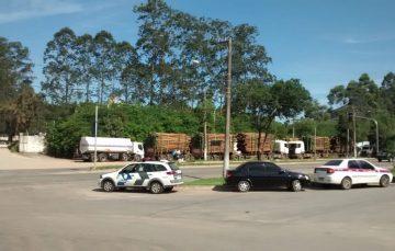 Protesto dos caminhoneiros chega ao trevo de Guarapari