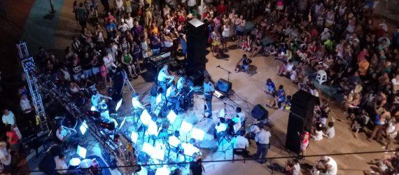 Banda da PM faz apresentação gratuita na Praça do Radium Hotel, nesta sexta
