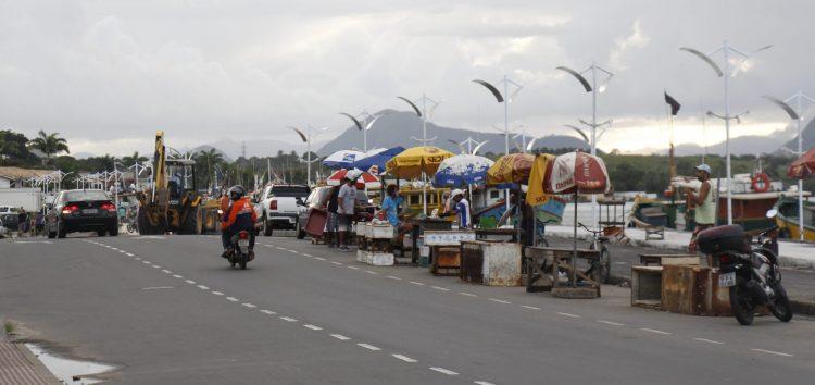 Comerciantes da orla do canal terão novo espaço para venda de peixes em Guarapari
