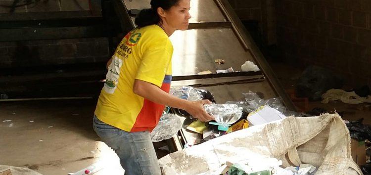 Problemas na coleta seletiva, em Guarapari, permanecem e catadores da Asscamarg pedem ajuda