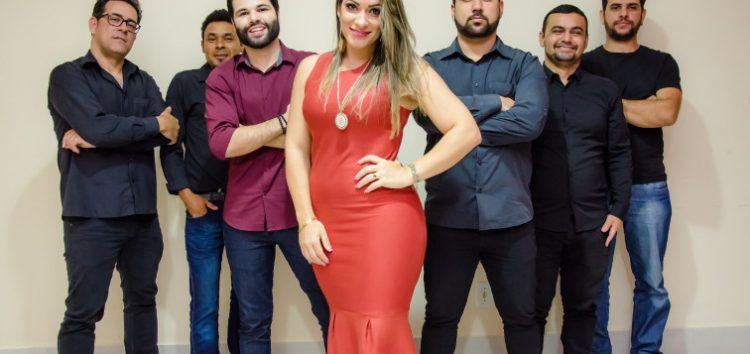 """""""Balada Sertaneja"""" com Newplace Band no XII Arraiá do Bode em Guarapari"""