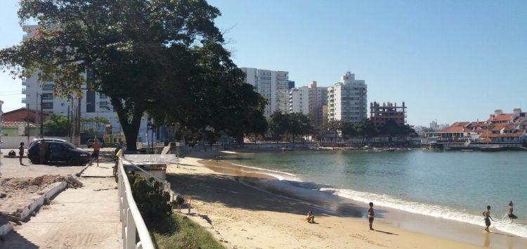 Orla da Prainha terá mais 13 árvores cortadas para início do projeto urbanístico
