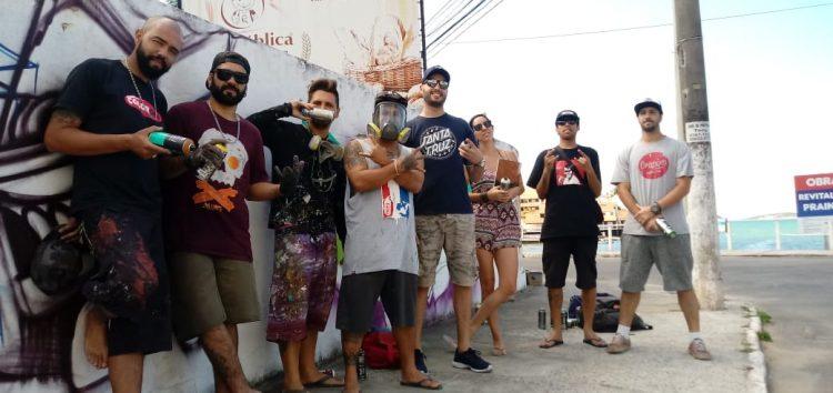 Grafiteiros de vários estados desembarcam em Guarapari e Prainha de muquiçaba vira tela