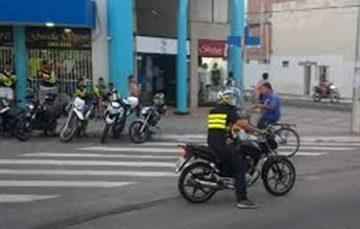 Vereador cria projeto para regularização dos mototaxistas em Guarapari