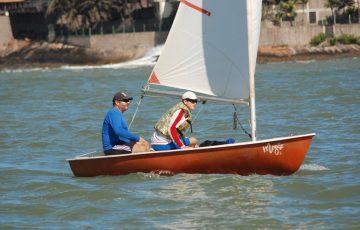 Convite inesperado inspira gosto pelo esporte em velejador de Anchieta