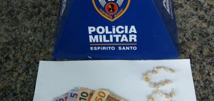 Homem é preso com mais de 20 pedras de crack em Guarapari