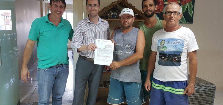 Associação de pescadores de Anchieta recebe repasse financeiro da prefeitura