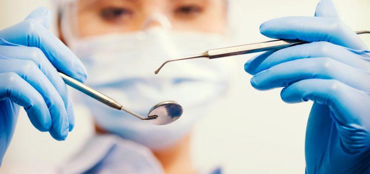 Clínica odontológica de Guarapari é denunciada por falta de esterilização e higiene