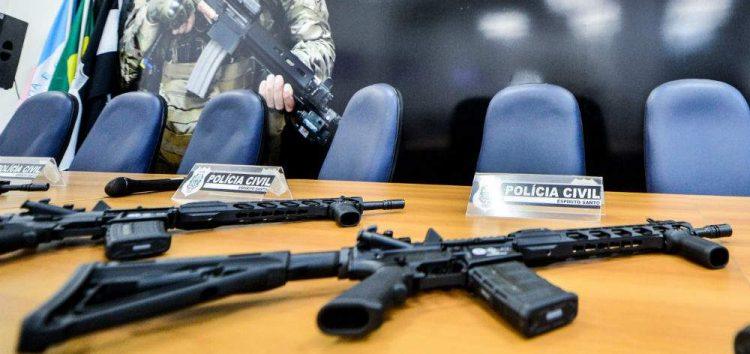 Delegacias da Polícia Civil em todo o Estado recebem o reforço de 70 fuzis norte-americanos