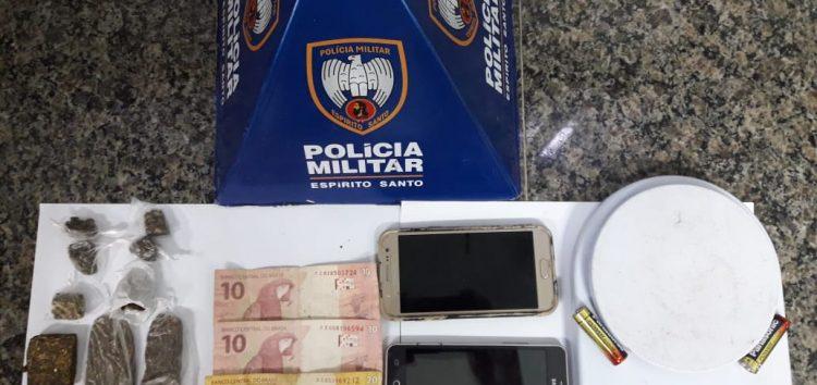 Adolescentes apreendidos e suspeitos presos por tráfico de drogas em Guarapari