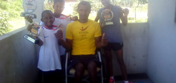 Corredor de Guarapari faz escola e filhos vão a pódio no Garotada em Vila Velha