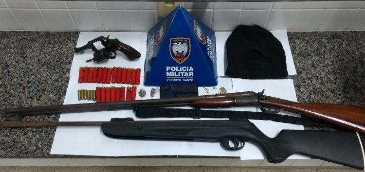 Força tática apreende homem e menor com armas e munições em Guarapari