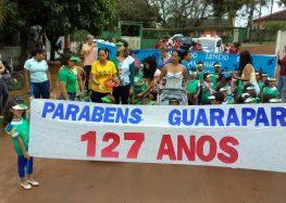 Crianças parabenizam Guarapari em desfile
