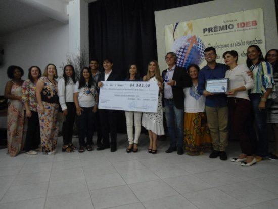 Prefeitura entrega prêmio do Ideb para escolas de Guarapari