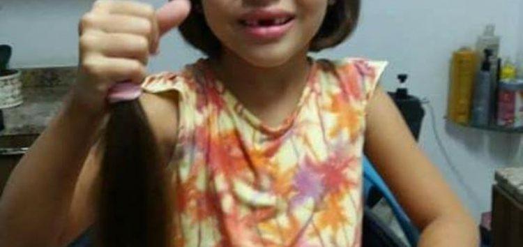 Grupo de Guarapari arrecada cabelos para crianças com câncer