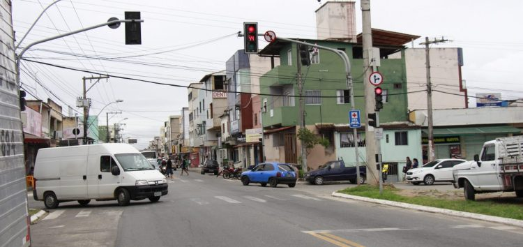 Trânsito é alterado em importante via de Guarapari