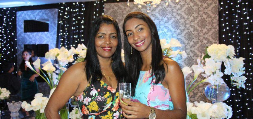 Edna e filha Dayane Santana