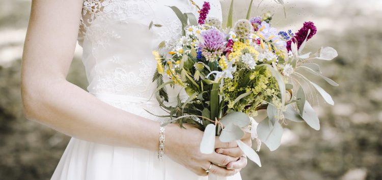 Noiva não recebe o álbum de casamento e fotógrafa terá que pagar indenização em Guarapari